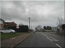 TL1124 : Putteridge Road, Stopsley by David Howard