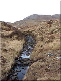 NG9573 : Unnamed tributary of the Allt Bealach nan Sac by Richard Law