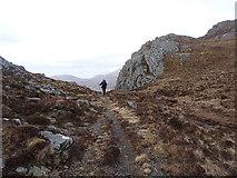 NG9673 : At the Bealach Mhèinnidh by Richard Law