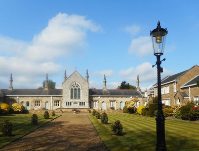 TQ2496 : Leather Sellers Almshouses by Des Blenkinsopp