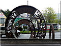 H3398 : Sculpture, Three Coins Roundabout, Lifford : Week 16