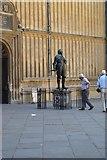 SP5106 : Statue of The Earl of Pembroke, The Bodleian by N Chadwick