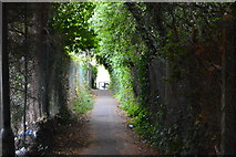 SU8693 : Footpath to Parker Knoll Way by N Chadwick