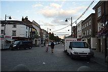 SU8692 : High St by N Chadwick