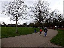 SP3165 : Victoria Park, Leamington by Rudi Winter