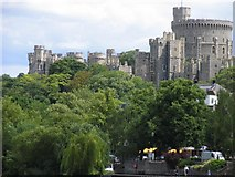 SU9677 : Windsor Castle: A riverside view by Pam Brophy
