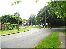 TQ3339 : The Dukes Head roundabout by Nigel Freeman