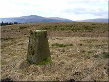 NS6985 : Cairnoch Hill trig by Iain Macaulay