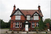 SJ6260 : Little Man Pub, Wettenhall by Peter Styles