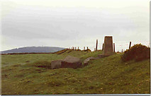 O0020 : Trig point at summit of Cupidstown Hill by Bill Griffiths
