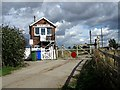 SE9027 : Crabley Creek Level Crossing by Roger Gilbertson
