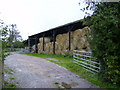 SP7631 : Barn on the outskirts of Singleborough village by Phil Catterall