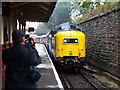 SD8010 : Pulling into Bury by R lee