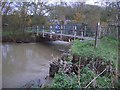 SP9657 : Footbridge over River Great Ouse at Odell by Nigel Stickells