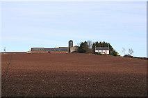 NJ7551 : Barnyards Farm to the north of Delgaty Castle. by Des Colhoun