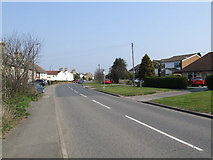 TL2036 : Hitchin Road, Stotfold by Jeff Tomlinson