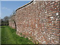 SZ0099 : Serpentine Wall, Dean's Court, Wimborne by Stuart Buchan
