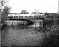 SU0463 : Bishops Canning Swing Bridge, Kennet and Avon Canal by Dr Neil Clifton