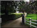 TG0622 : Entrance to Oaks Farm by Evelyn Simak