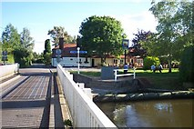 SU5766 : Woolhampton Swing Bridge and Row Barge pub by Chris Wood