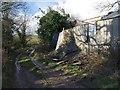 SX2286 : Collapsing barn by Derek Harper