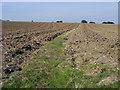 SU8098 : Footpath to Manor farm by Shaun Ferguson