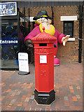 SO8218 : Victorian pillar box , Penfold design by Pauline E