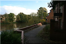 SK3536 : The River Derwent approaches Derby city centre by David Lally