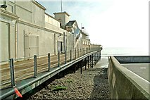 SZ9398 : West side of entrance building on Bognor Regis Pier by P L Chadwick