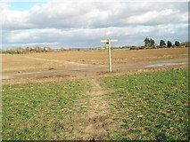 TQ0001 : Junction of the footpath and the byway south of Climping by Basher Eyre