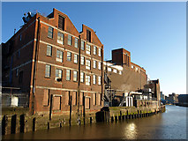TA1029 : Factories east of the River Hull by Andy Beecroft