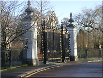 TQ2882 : Ornamental Gates at entrance to Queen Mary's Rose Garden by Sheila Madhvani