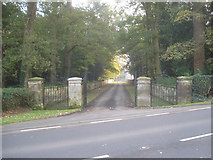 SO8463 : Entrance to Ombersley Court by Trevor Rickard