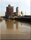 TA1031 : The River Hull from Bankside by Andy Beecroft
