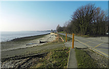TA0225 : Cliff Road and Hessle Foreshore by David Wright