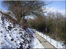 ST1599 : Footpath near Gilfach Fargoed Station by John Lord