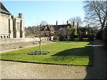 SU4829 : The Dean Garnier Garden at Winchester Cathedral by Basher Eyre