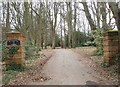 SP9106 : Entrance to Dundridge Manor (East Gate) by Rob Farrow