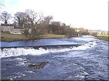SE0063 : Weir at Linton on River Wharfe by Raymond Knapman