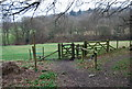SU7530 : Stile & Kissing Gate at the footpath junction by N Chadwick