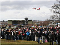NT1473 : A crowd watches a stunt rider at Ingliston by Des Colhoun