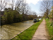 SU0061 : Devizes: canal and barrels by Chris Downer