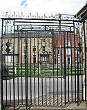 TF5002 : Ornate entrance gate by Evelyn Simak