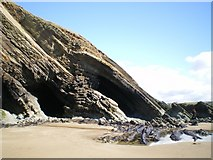 SM8422 : Folds in the rocks at Newgale by Richard Law