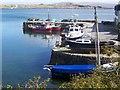 L7240 : Harbour, Roundstone/Cloch na Ron by Maigheach-gheal