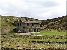 SE0270 : Mossdale shooting hut by Gordon Hatton