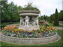 TQ2882 : Avenue Gardens, Regent's Park by Philip Halling