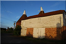 TQ6049 : Oast house, Grange Farm by N Chadwick