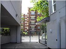 TQ2977 : Gateway to Grosvenor Road by PAUL FARMER