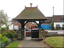 TL2702 : St Thomas, Northaw - lych gate by Stephen Craven